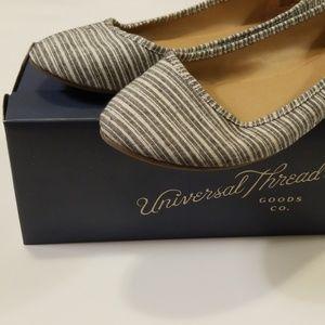Universal Thread Striped Flats